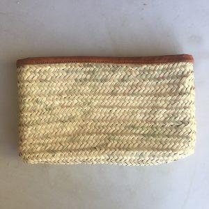 pochette zippée en fibre de palmier